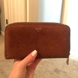 Brown Fossil wallet!!